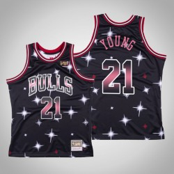 Herren Bulls Thaddeus Young & 21 Black Airbrush Knit Swingman Mitchell & Ness Klassische Jersey