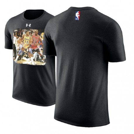 Herren Michael Jordan Chicago Bulls Schwarz vs Magic Johnson Performance-T-Shirt