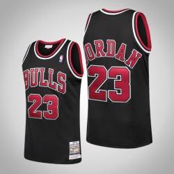 Herren Bulls Michael Jordan & 23 Black 1997-98 Holz Classics authentisches Jersey