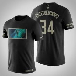 Milwaukee Bucks Giannis Antetokounmpo # 34 Schwarz Kunstdruck Basketball in der Hand T-Shirt