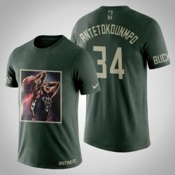 Milwaukee Bucks Giannis Antetokounmpo # 34 Jägergrün Kunstdruck Dunking Moment T-Shirt